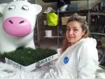 ma copine Florence et sa vache
